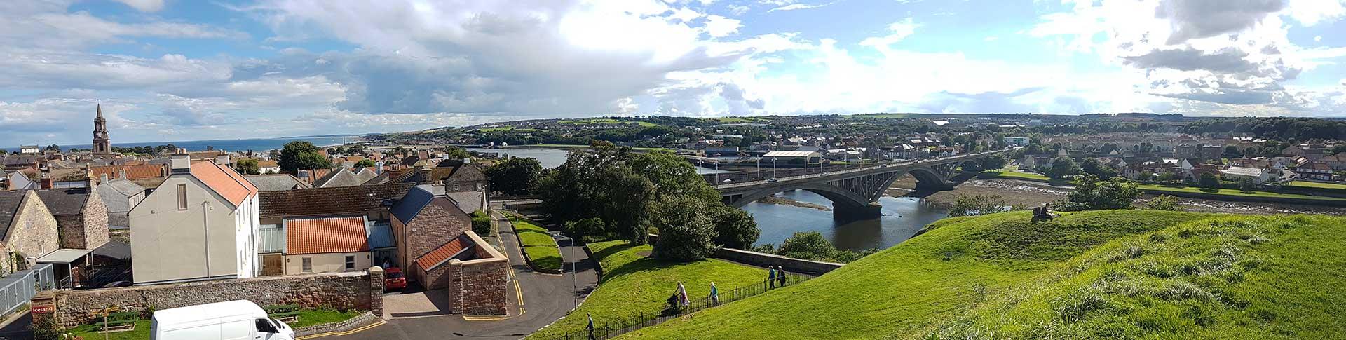Blick über Berwick, Tweed und den Hafen